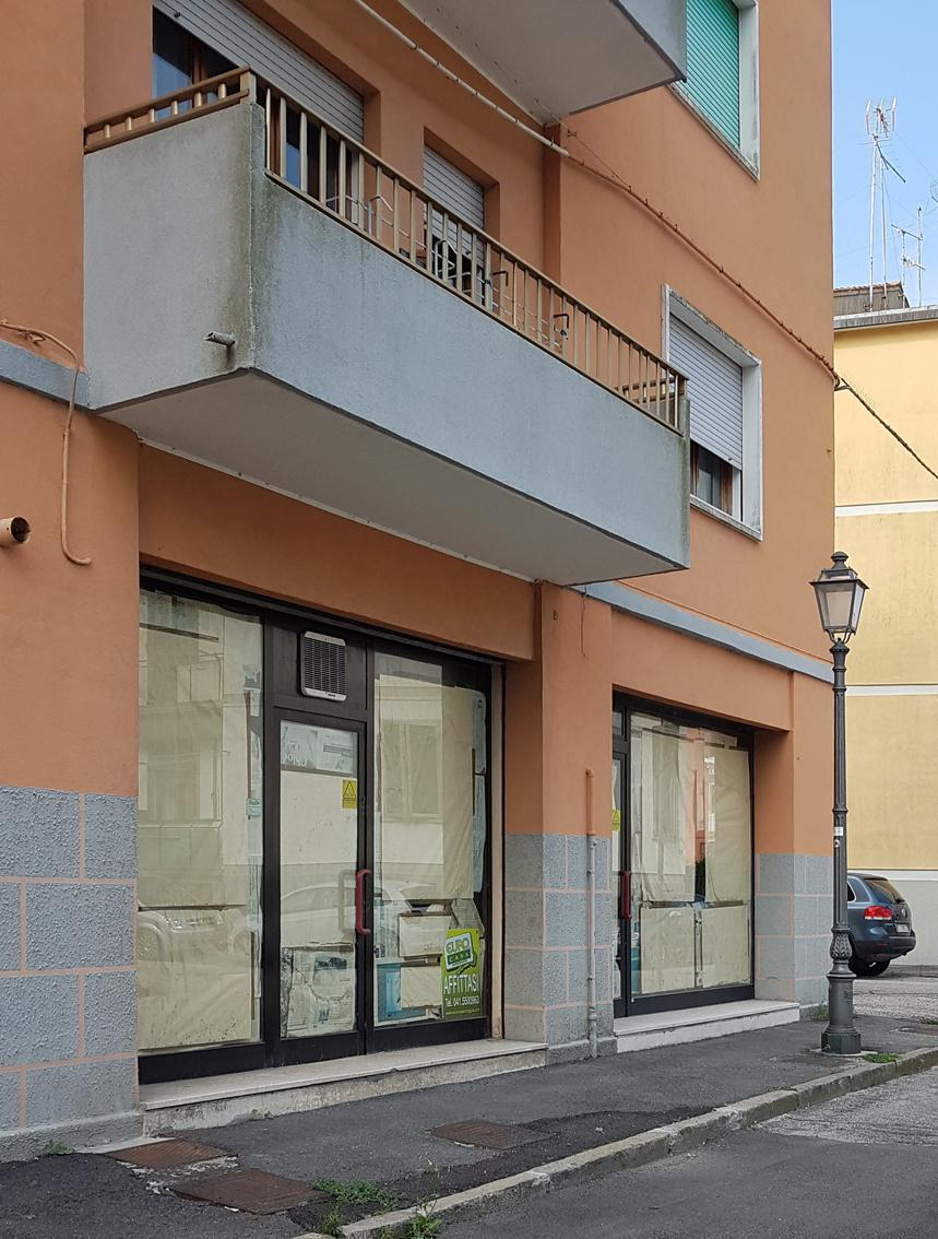 LOCALE IN TOMBOLA