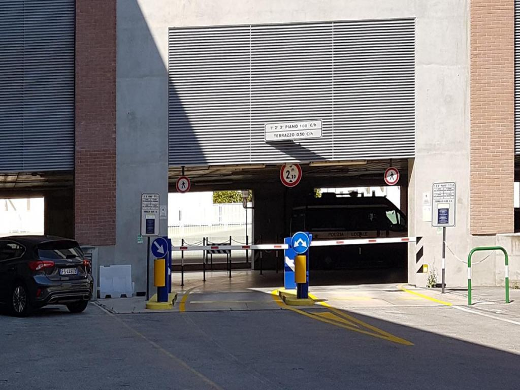 GARAGE IN CENTRO STORICO